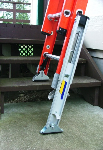 quick-connect-leveler-extends-ten-inches.jpg