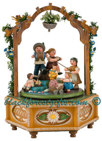 104h1004 Children in Park Music Box