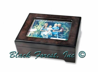 8900 Insert Your Photo Music Box