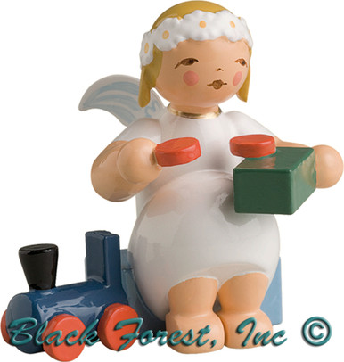 634-70-15 Wendt and Kuhn Marguerite Angel Sitting with Train