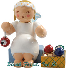 634-70-33 Wendt and Kuhn Marguerite Angel Sitting with Ornaments