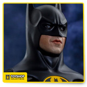 From Hot Toys Batman Returns Collectible Figure featuring the likeness of renowned actor Michael Keaton from the Batman movie in 1989 directed by Tim Burton. 1/6th scale Collectible Figure specially features authentic and detailed fully realized likeness of Michael Keaton as Batman in the Batman movie. Approximately 30 cm tall newly developed Batman body with 30 points of articulation. Detailed accessories including several pieces of interchangeable gloved palms including.