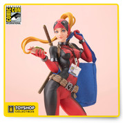 The Lady Deadpool SDCC exclusive edition features a brand-new head sculpt and accessories including Gyro, badge, lanyard and bag with the official Comic-Con logo on it. Parts from the previous Lady Deadpool Bishoujo statue are also interchangeable with this release so you can mix and match to create your own distinct look!