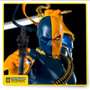 Iron Studios presents the 1/10 scale Deathstroke based on concept art by Official DC Comics artist Ivan Reis!  This limited edition art statue is made of polystone and hand-painted with great attention to detail. Fans of the series don't want to miss out on this beautiful 9-inch statue!  Product Features  9 inches (23cm) 1/10 scale Made of polystone Featuring DC's Deathstroke as a hand-painted statue Based on concept art by offical DC Comics artist Ivan Reis Limited edition