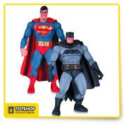 Batman The Dark Knight Returns 2-Pack Batman and Superman Figures