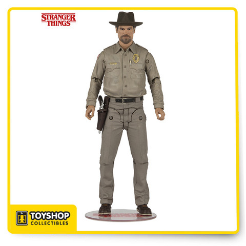 Spectacular likeness for Chief Hopper sculpted from images of actor David Harbour Figure comes with removable Sheriff's hat, pistol, and coffee mug Figure is featured in sheriff's outfit worn by Chief Hopper in Stranger Things Designed with 12+ points of articulation for dynamic posing Figure features a stylized Stranger Things branded display base and is showcased in retro themed packaging