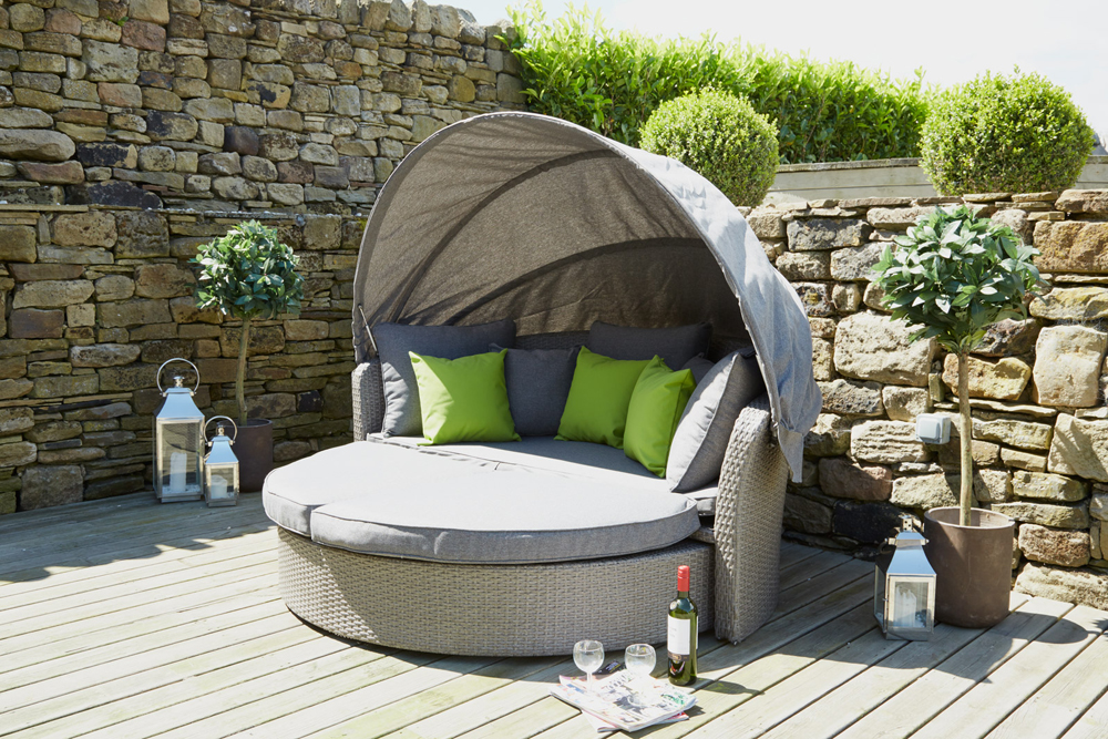 Cayman Rattan Day Bed With Canopy (18-126-MG)