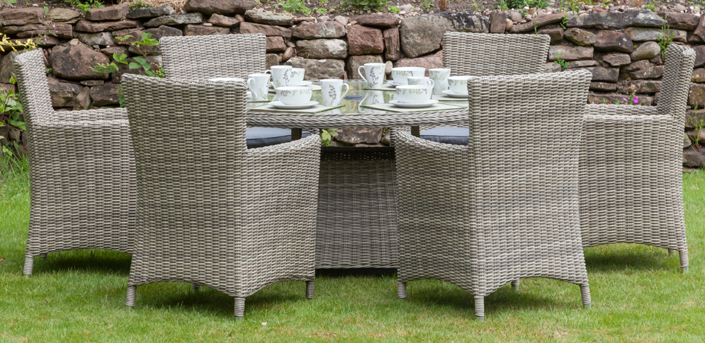 Wentworth 6 Seater Round Carver Dining Set