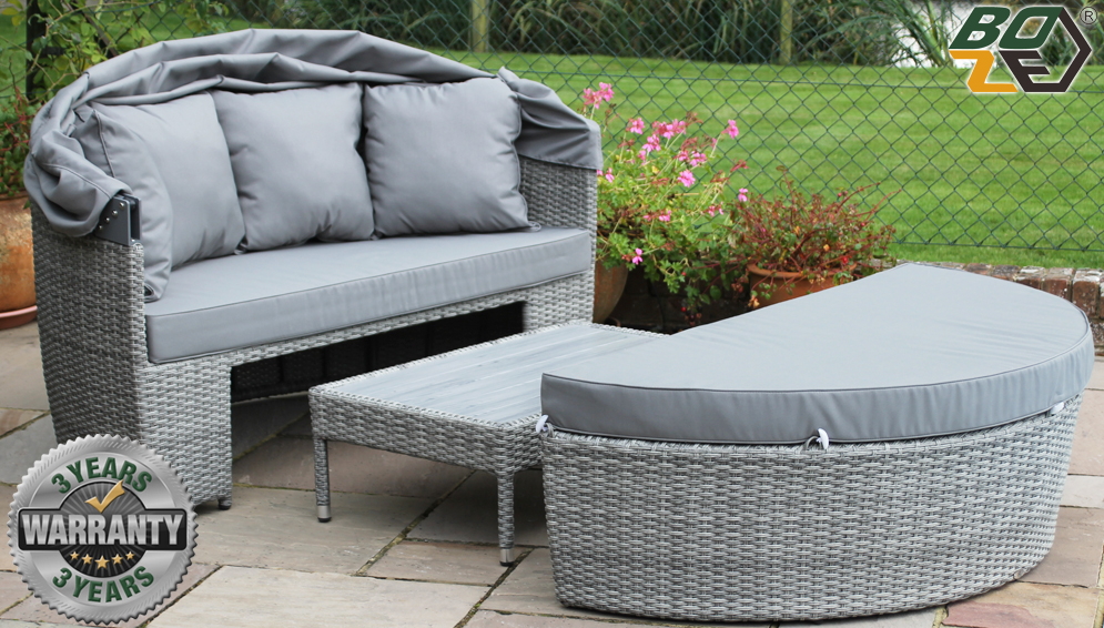 Amelie Rattan Garden Daybed with Canopy And Table