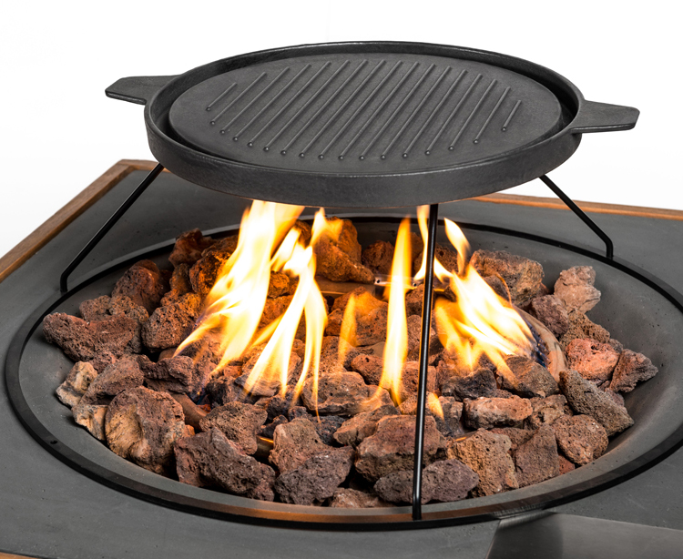 Griddle Plate With Lid And Tripod