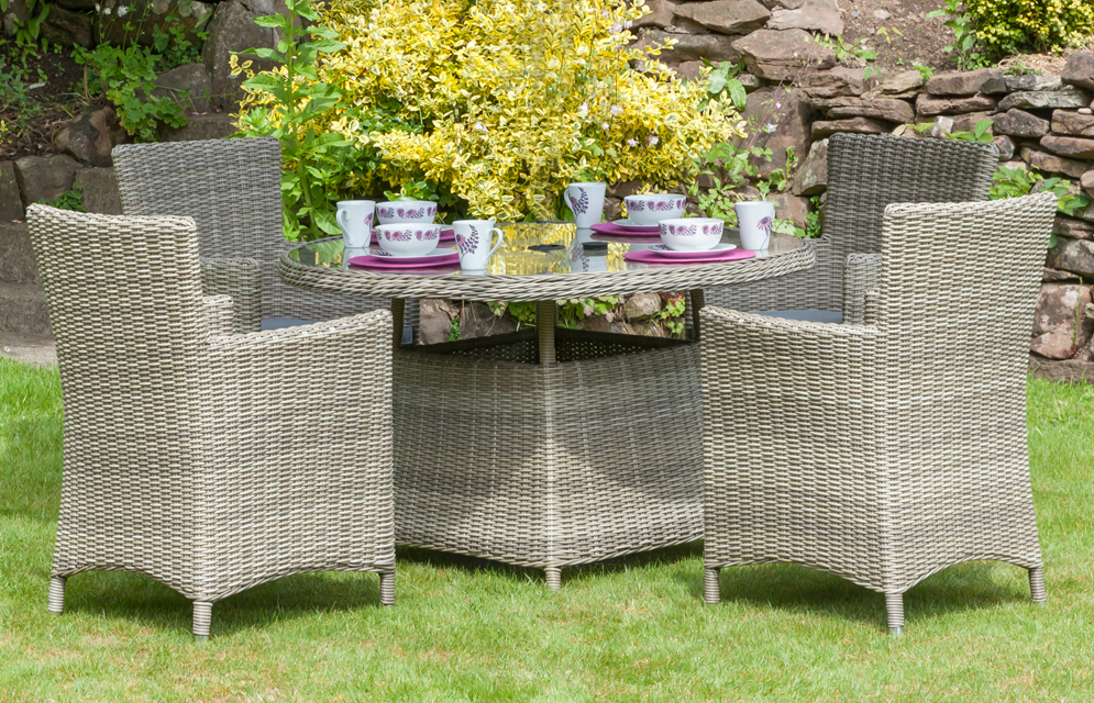 Wentworth 4 Seater Round Carver Dining Set