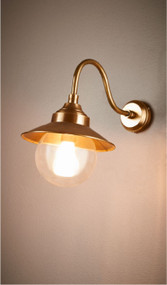 Oudoor Wall Light - Antique Brass ZMT