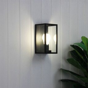 Wall Light - 40W IP54 E27 220mm Black