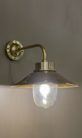 Classic Brass Wall Lamp in - SDH