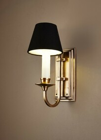 Classic Brass Wall Light - EBRN