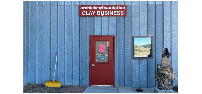 CLAY BUSINESS OPEN FOR CURBSIDE PICK-UP
