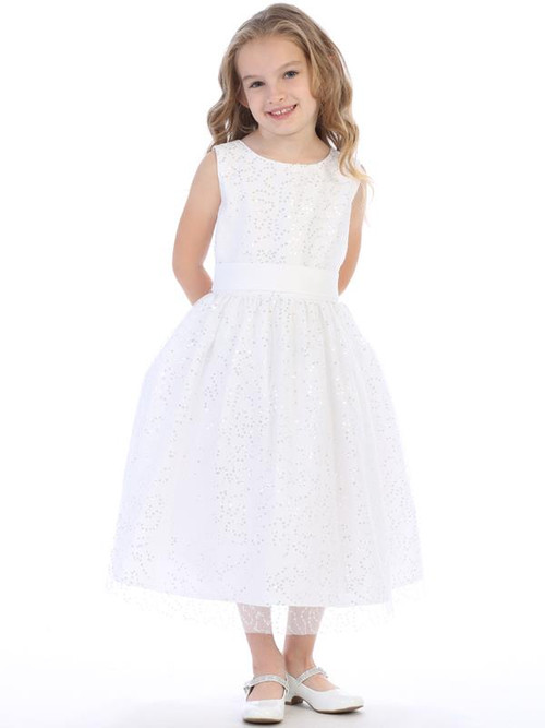 This communion dress is tea length.  Dress is made of tulle with sequins. Made in the USA!  This style is available in regular sizes:  6, 7, 8, 10, 12 & 14. Half Sizes: 8x, 10x, 12x, 14x, 16x, 18x, 20x