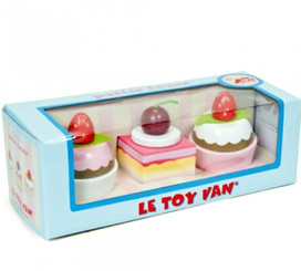 3 cupcakes from Le Toy Van