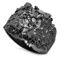 Black Plated Nugget Ring + Microfiber