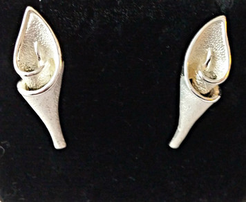 Lily Post Earrings With Matt Finish Remembering the  Easter Rebellion 1916