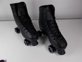 **SLIGHTLY USED** Roller Derby Rewind Indoor / Outdoor Skate Size 11