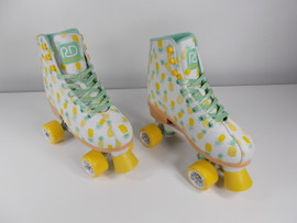 **SLIGHTLY USED** Candi Girl Lucy Adjustable Skate Size Medium
