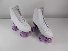 **SLIGHTLY USED** Pacer Stratos Skate White Size 9