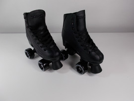 **SLIGHTLY USED** Roller Derby Rewind Indoor / Outdoor Skate Size 3