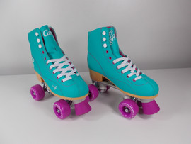 **SLIGHTLY USED** Candi Girl Sabina Indoor / Outdoor Skate Mint Size 7