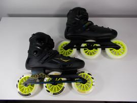 **SLIGHTLY USED** RollerDerby Elite Alpha 125mm 3-wheel Inline Skate Size 13