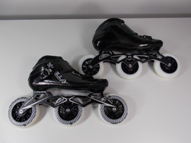 **SLIGHTLY USED** Vanilla Carbon Speed Inline Skate Black Size 5