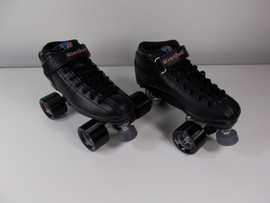**SLIGHTLY USED** Riedell Black R3 Speed Roller Skate Size 7 with Chase Raider Wheels