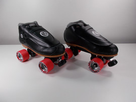 **SLIGHTLY USED** VNLA Blackout Pro Plus Derby Skate with Red Deluxe Wheels - Size 11