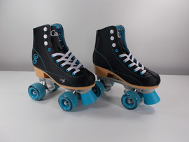 ***SLIGHTLY USED** Candi Girl Sabina Indoor / Outdoor Skates Black/Teal Size 4