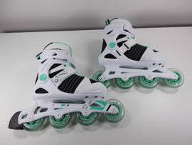 **SLIGHTLY USED** Pacer Explorer White and Teal Inline Skate Size 6