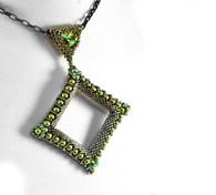 Mau Pendant Beading Kit Silver & Green