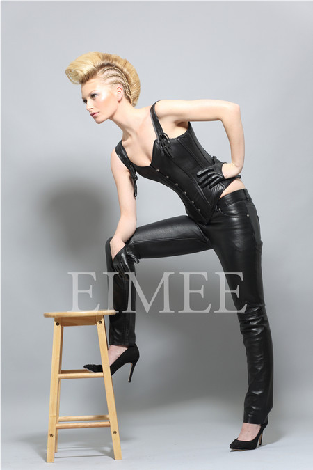 Overbust strapped Leather Corset Front
