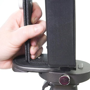 reattaching-quickplate-onto-tripod-head.jpg