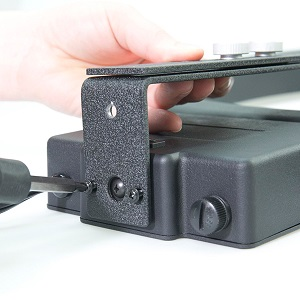 screwing-in-the-drl-tripod-z-bracket.jpg