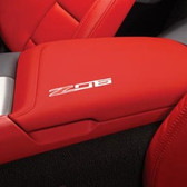 C7 CORVETTE FLOOR CONSOLE LID WITH Z06 LOGO SUEDE-RED