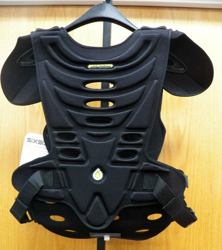 SixSixOne black  lightweight chest protector adult L/ XL... NEW WITH TAGS