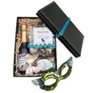A Purim Box Delight Kosher Gift Set
