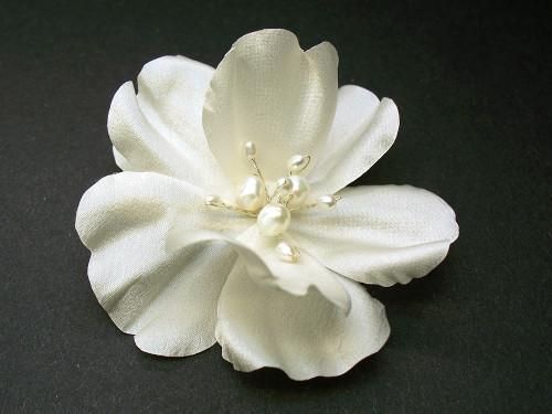 Antique White Silk Rose Bridal Hair Accessory Wedding Veil Clip