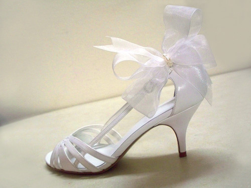 Bridal White Sassy Organdy Bow Shoe Clips Pearls