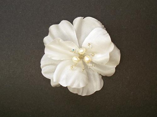 White Rose Silk Bridal Hair Accessory Clip Pearls Wedding Veil Flower