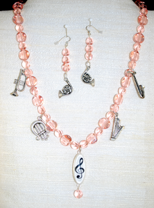 Front view of necklace set