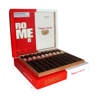 Romeo by Romeo Y Julieta Churchill box open