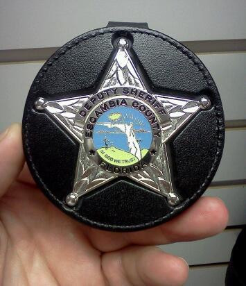DK612-777 Badge Clip (badge not included)