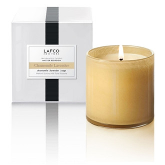 Crisp bergamot and warm chamomile melt into a calm undertone of lavender, sage, eucalyptus and smoky patchouli.