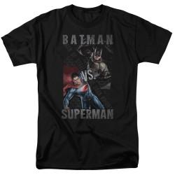 Image for Batman vs Superman T-Shirt - Hero Split